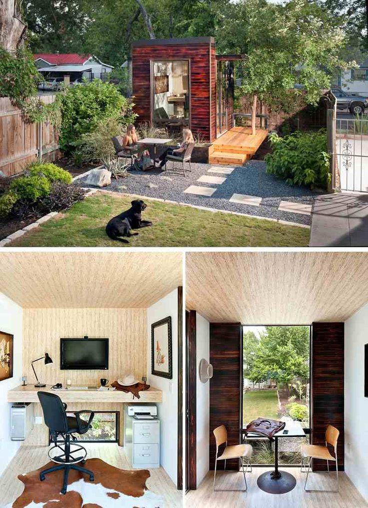 Bureau à domicile dans l'arrière-cour, aménagé à l'intérieur d'une maison de jardin riquiqui.