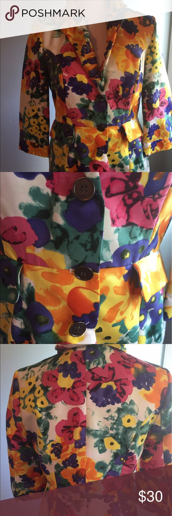 """Walter by Walter baker Floral blazer size 8 This Walter by Walter baker blazer is a size 8 . It measures armpit to armpit 18"""" the length is 22"""" . It is in good condition no stains or holes Walter Baker Jackets & Coats Blazers"""