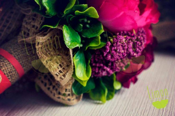Sipariş Kodu: LMN41P Gelinlerin en favori rengi pembe! Pembenin en güzel tonları şakayık, çay gülleri, ortanca ve Limon dokunuşuyla bir araya geldi!  info@limonfotograf.com #gelin #gelinciceği #buket #dugun #wedding #bride #bridal #bouquet #tasarim #design #style #pembe #pink