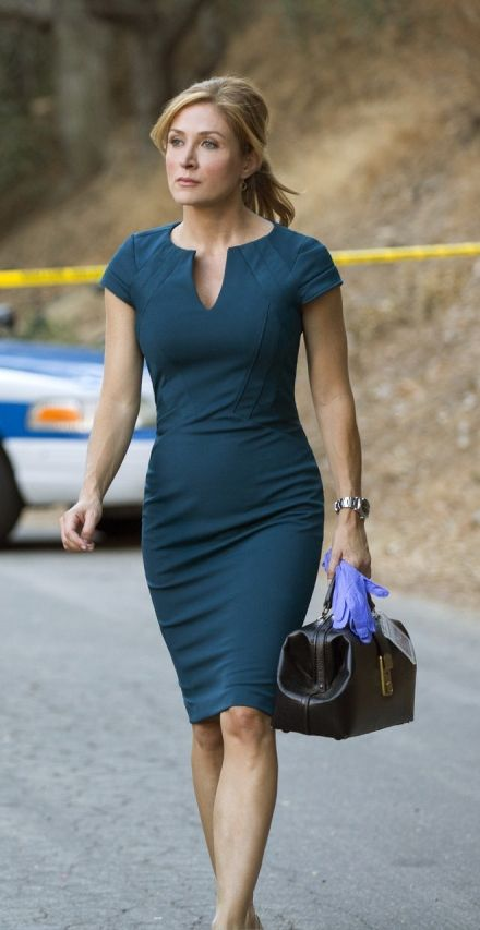 Dress / Sasha Alexander as Maura Isles in Rizzoli & Isles