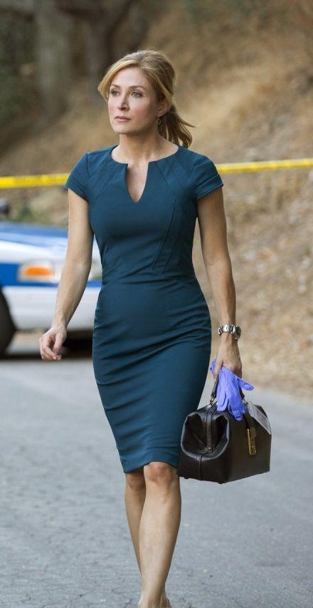 Dress / Sasha Alexander as Maura Isles in Rizzoli & Isles – I hope this is what I look like in 20 years!