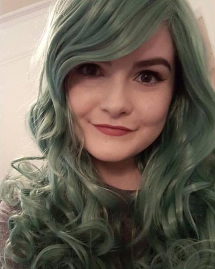 The gorgeous @lunneya looking Incredible in Green Revolution  . . Green Revolution is available to buy now from Lushwigs.com . . #duskygreenwig #lushwigs #lushwigsgreenrevolution #grunge #alternative #cosplayhair #cosplaywig