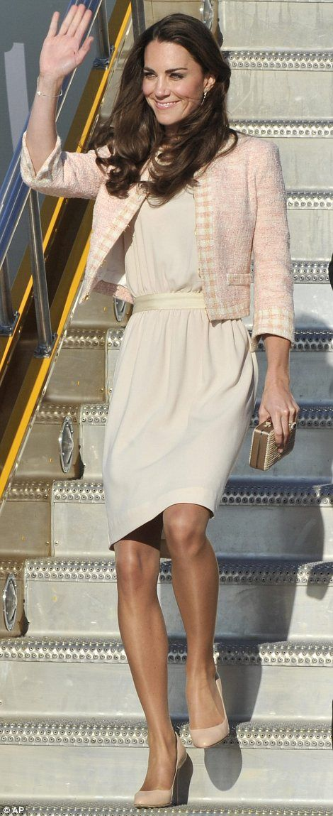 Duchess of Cambridge. Love this photo. Joseph dress and blush pink blazer. Stunning!