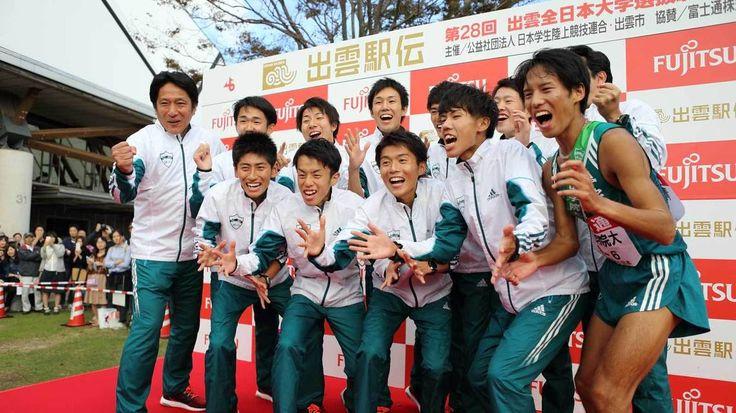 青学陸上競技部は私が2003年に監督へ就任した当時は、箱根駅伝の予選会さえ通過できない弱小チームでした。ようやくチームが結果を出し始めたのは2009年。33年ぶりに予選会を突破し、総合8位に入賞して44年ぶりに…