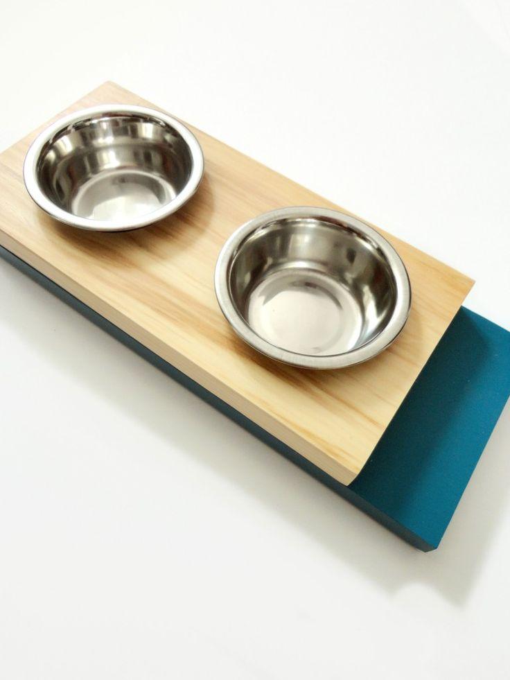Scandinavian cat feeder. Pine & Blue. #homedecor #design #decor #trendy #petstyle #scandinavian