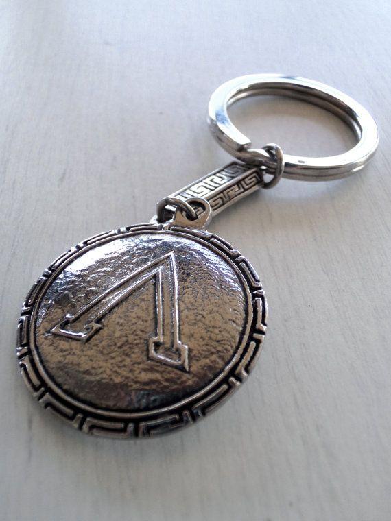 Spartan shield - Handmade surgical grade stainless steel keychain. Diameter 3 cm.
