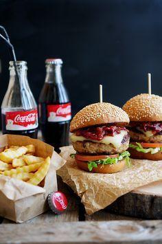 Американский бургер с курицей и беконом, домашний соус барбекю, пошаговый фото рецепт, кулинарный блог andychef.ru