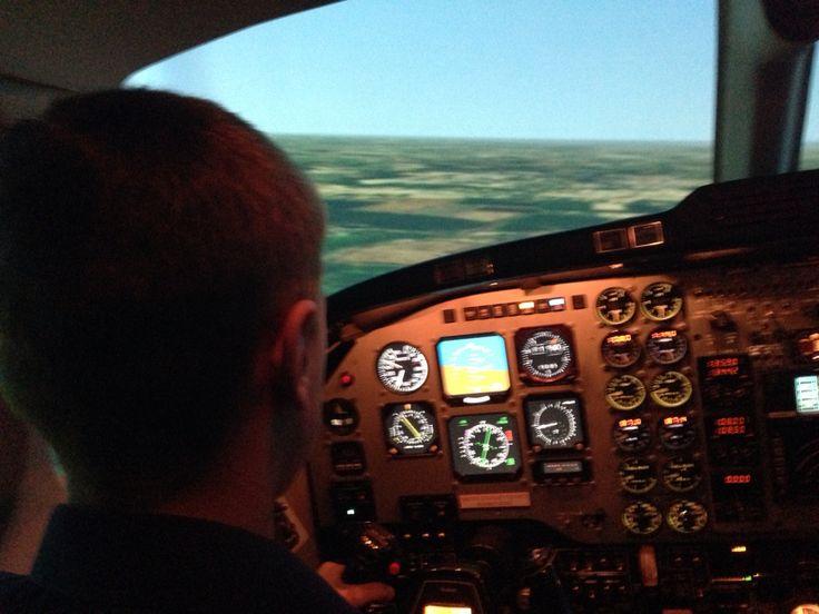 Flying an RAF Beechcraft King Air B200 simulator @ RAF Cranwell