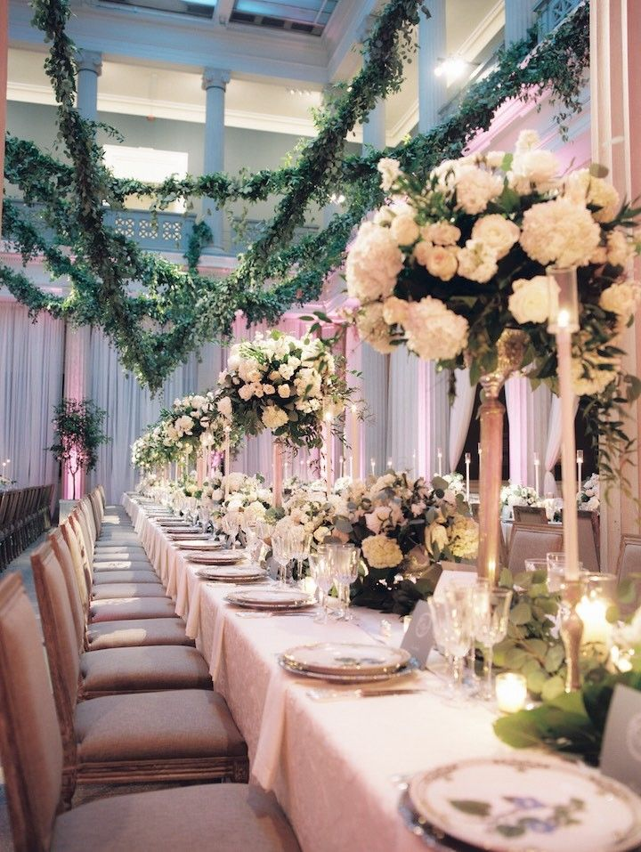 Elegant wedding centerpiece idea; photo: Abby Jiu Photography