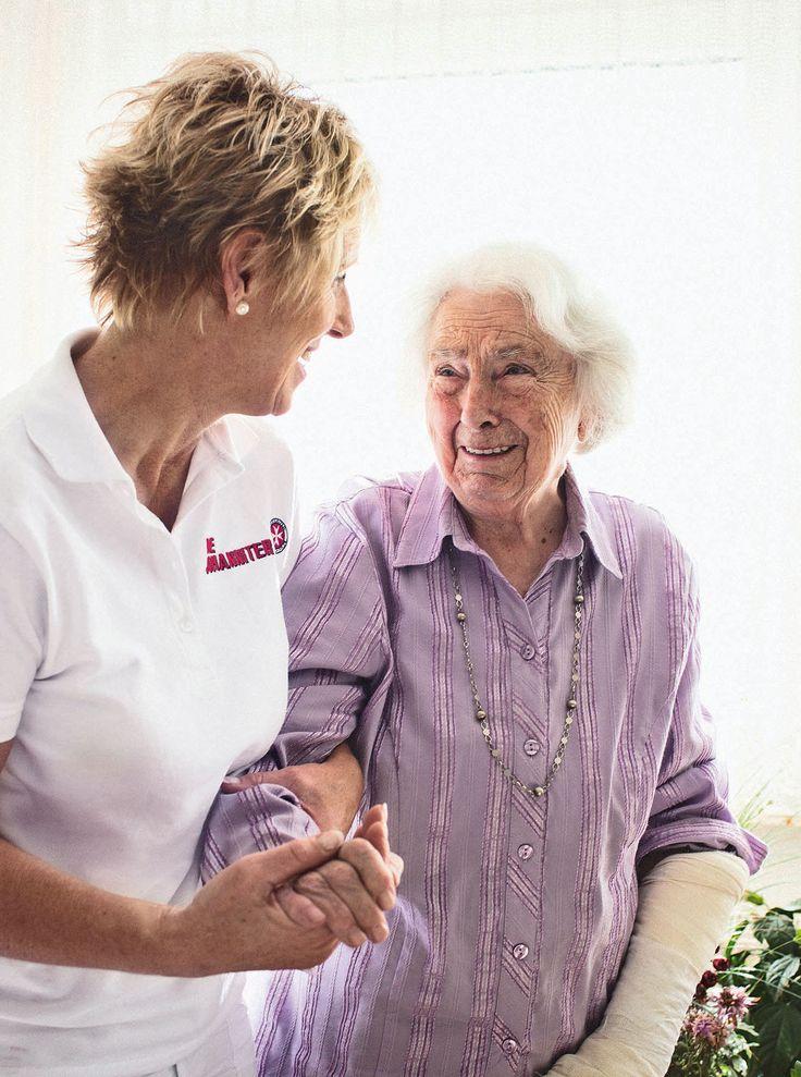 Auch wenn es schwer fällt: Lieber gut für das Alter und eine ambulante Pflege vorsorgen. Wir geben hilfreiche Tipps dazu. #familienleben #älterwerden #pflege