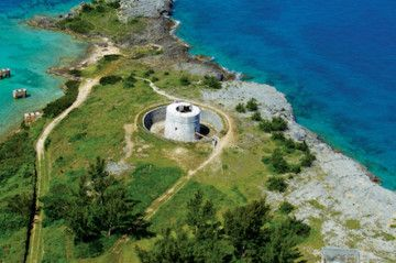 It's hard to believe that Bermuda wasn't always a vacation paradise, butsince the islandlies about600 nautical miles from the U.S. East Coast, itwas once a strategic military outpost for Great Britain. During the American Revolution and the War of 1812, itsproximity to the young American nation made it an ideal spot for Britain to station troops and deploy arms.Once nicknamed the Gibraltar of the West, Bermudawasthe Royal Navy's Western Atlantic headquarters for many years.