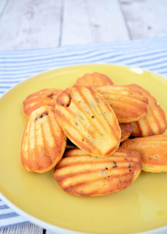 Savory Parmezan madeleines - hartige madeleines met Parmezaanse kaas - Laura's Bakery