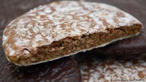 Pão de mel natalino alemão. Lebkuchen de Nuremberge pode ser coberto de glacê ou chocolate