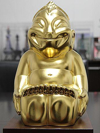通天閣に金の小型ビリケンさん-幸福の神様ビリケンさんに納入へ
