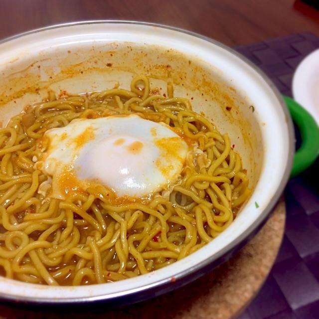 スープが少なくなってしまって、、、 まるで焼きそば - 67件のもぐもぐ - キムチ鍋の〆ラーメン by Koichi GOGO