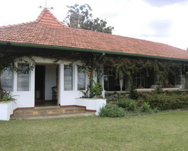 """Kongoni Lodge House Naivasha - is located in a private park called Kongoni Ranch. The name """"Kongoni"""" comes from a species of antelope present in the area. The ranch is located in the central part of Kenya, some 120 km northwest of Nairobi. Kongoni Lodge House Naivasha is a bungalow, built in colonial style, with spacious verandas overlooking the Lake Naivasha Valley. A small park featuring characteristic Euforbi trees, which resemble seaweed in shape, surrounds the house"""