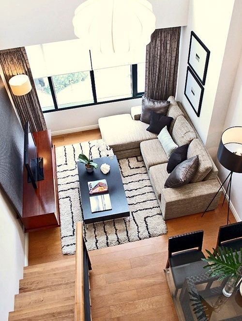 Decorating Small Living Rooms. I like this layout