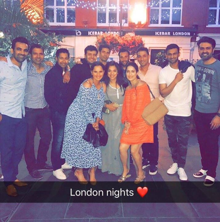 Sania Mirza Shoaib Malik Zaheer Khan & Sagarika Ghatge parties together in London For more cricket fun and updates click http://ift.tt/2gY9BIZ - http://ift.tt/1ZZ3e4d