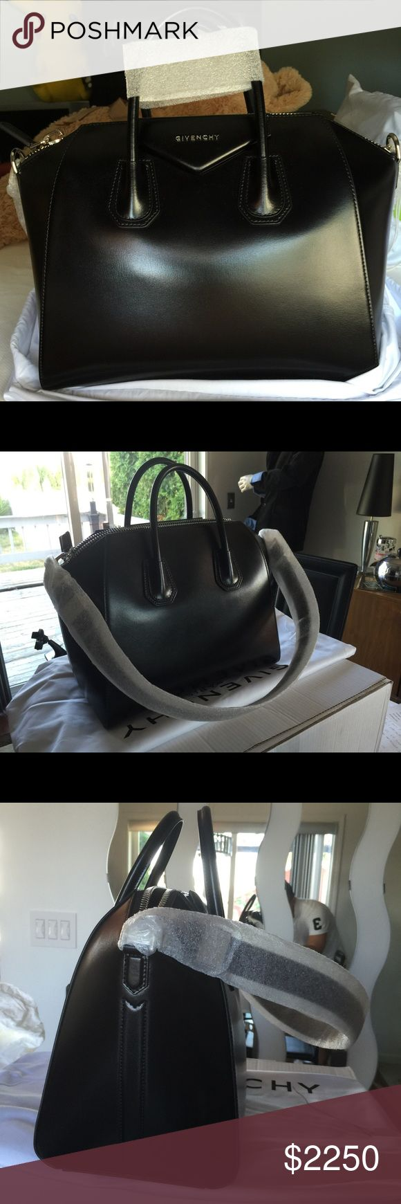 Givenchy Antigona smooth calf leather in Medium Brand new. Authentic bag. I still have everything Givenchy Bags