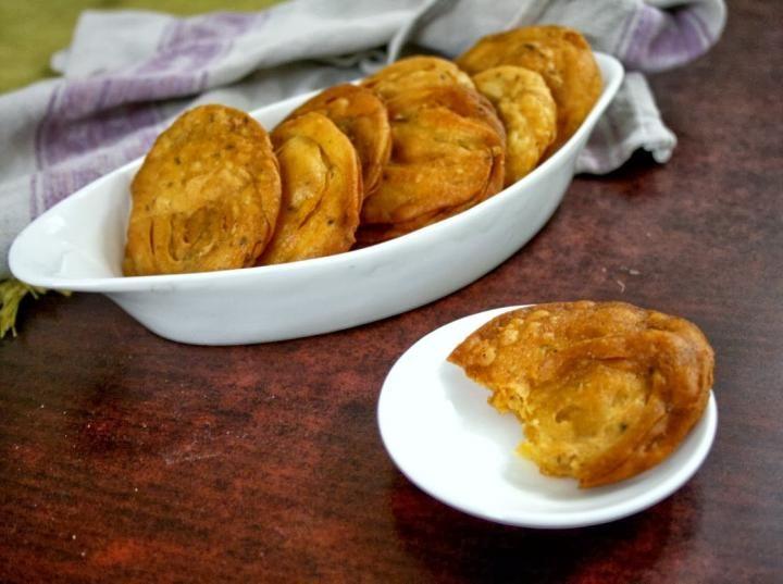 ShivaMusic.tv - Shiva Music - The Best indian Recipes, indian recipes in hindi, indian vegetarian recipes, indian snack recipes, indian paneer recipes, easy indian recipes, indian food recipes, south indian recipes, indian recipes chicken, from Bloggers - Indian Recipe : How to Make Gulab Jamun, Sweet Kachori, Spicy K