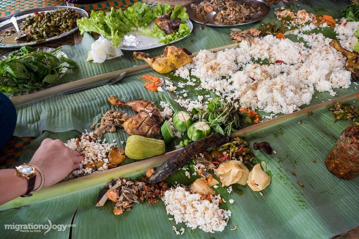 Indonesian food is one of the world's greatest cuisines. In this ultimate guide, you'll discover 50 of the best Indonesian dishes you don't want to miss!