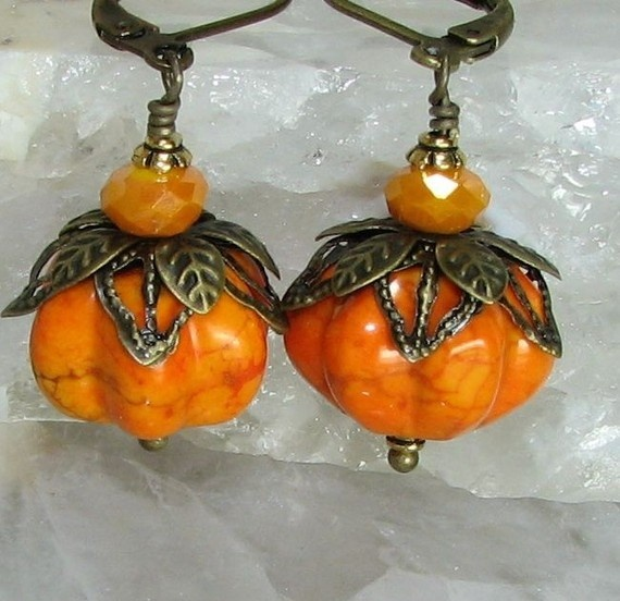 """They're called """"frosty pumpkin"""" earrings, but I would wear them throughout the year @Nicole Novembrino Pensis..... I want to try and make these!!!!"""