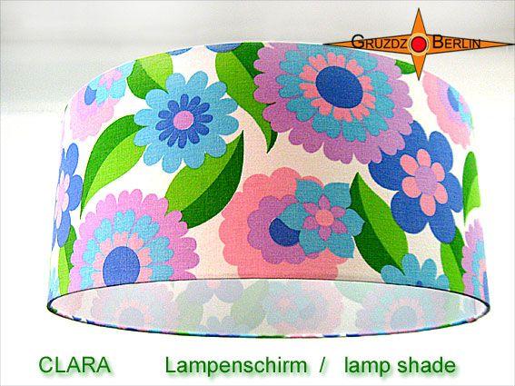 Lampenschirm CLARA Ø 45 cm Prilblumen Retrodesign. Genau so muß sich ein klarer Sommertag liegend zwischen Blüten anfühlen.