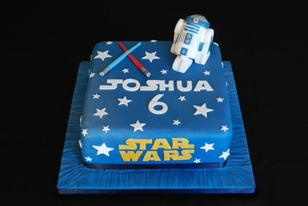 Star Wars Cake by KnebworthCakes