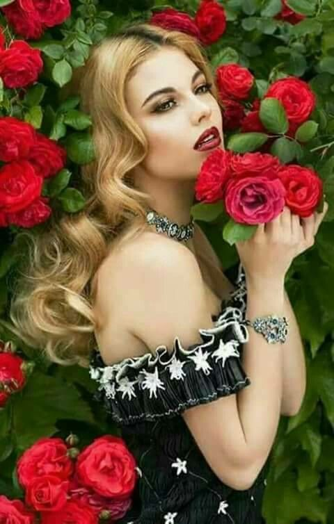 Pin By Patii13k On Mademoiselle Rose Girls With Flowers Beautiful Roses Red Roses