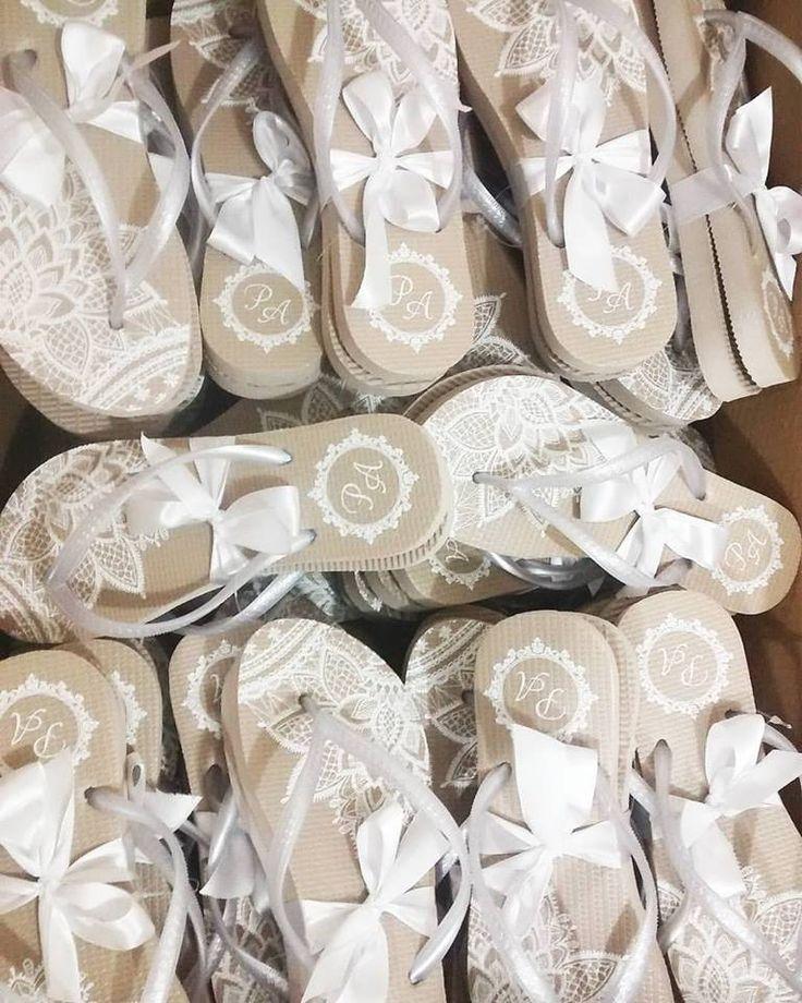 ♥♥♥  SÓ CHINELOS  Fábrica de chinelos e personalização como casamento, aniversário, formaturas, brinde corporativo.Atuamos a 7 anos no mercado com excelente qualid... http://www.casareumbarato.com.br/guia/so-chinelos/