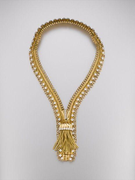 Zip Necklace/ Bracelet by Van Cleef & Arpels made of yellow gold and diamonds, Paris, 1952. #Neckace #Bracelet #Diamond #Van_Cleef_and_Arpels