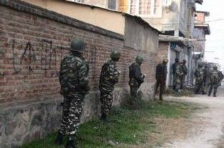 "Srinagar: Militants on Sunday snatched four service rifles from police guards in south Kashmir's Kulgam district. A senior police official told, ""Militants snatched four service rifles including two SLRs (self-loading rifles) and two INSAS (Indian small arms system) rifles from a minority guard post in Adijan village."" The official said the four guards and their guard commander were detained for...  Read More"