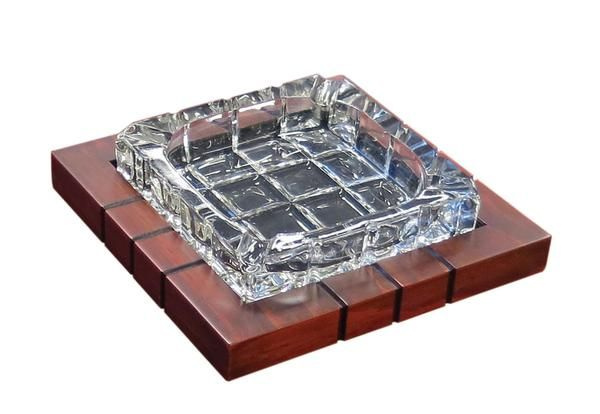 4 CIGAR CROSS-HATCHED CRYSTAL ASHTRAY ON WOOD BASE - buy now