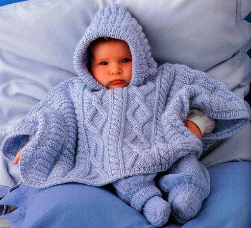 açık mavi kapşonlu bebek pançosu modeli