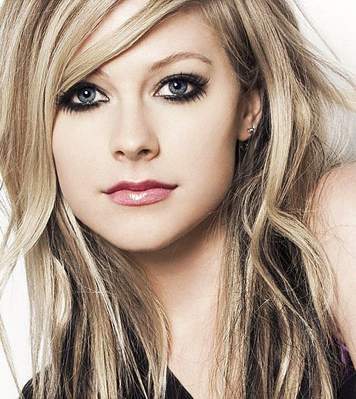 Picture of Avril Lavigne — Goodbye Lullaby Shoot.