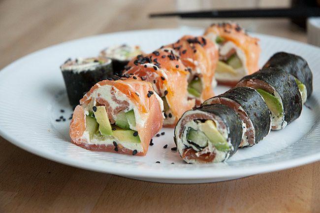 En nem og lækker makirulle uden ris, sushi uden ris med laks wasabi og grønt.