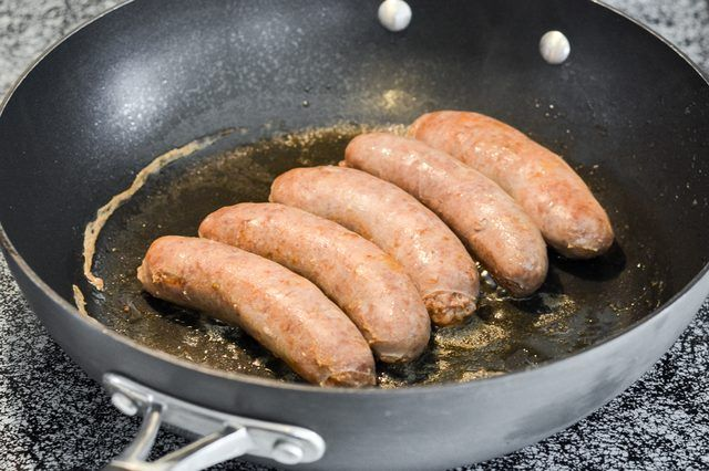 How to Cook Brats on a Stovetop