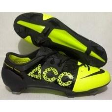 Sepatu sepakbola Nike ACC