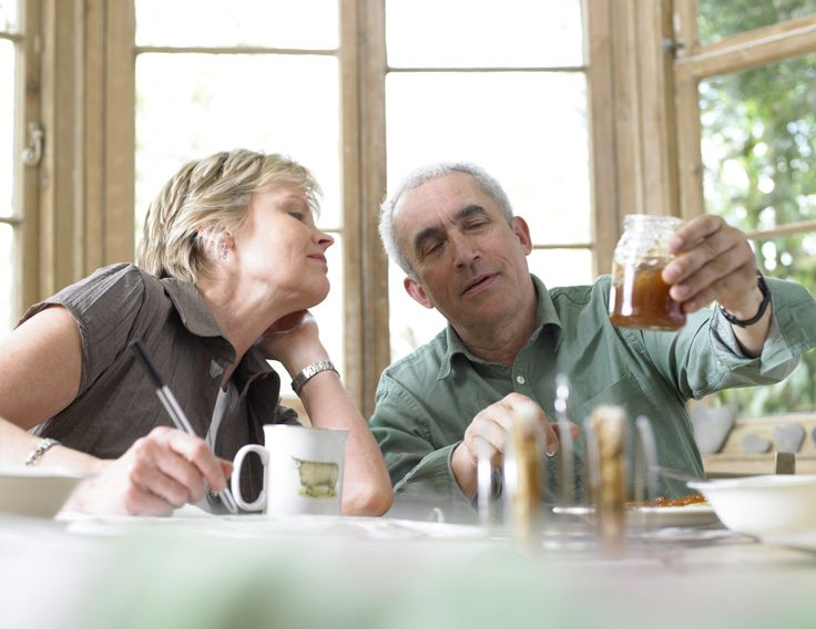 """Alzheimer's Basics: It's normal to become a little forgetful as you get older, but too many """"senior moments"""" may be a sign of Alzheimer's."""