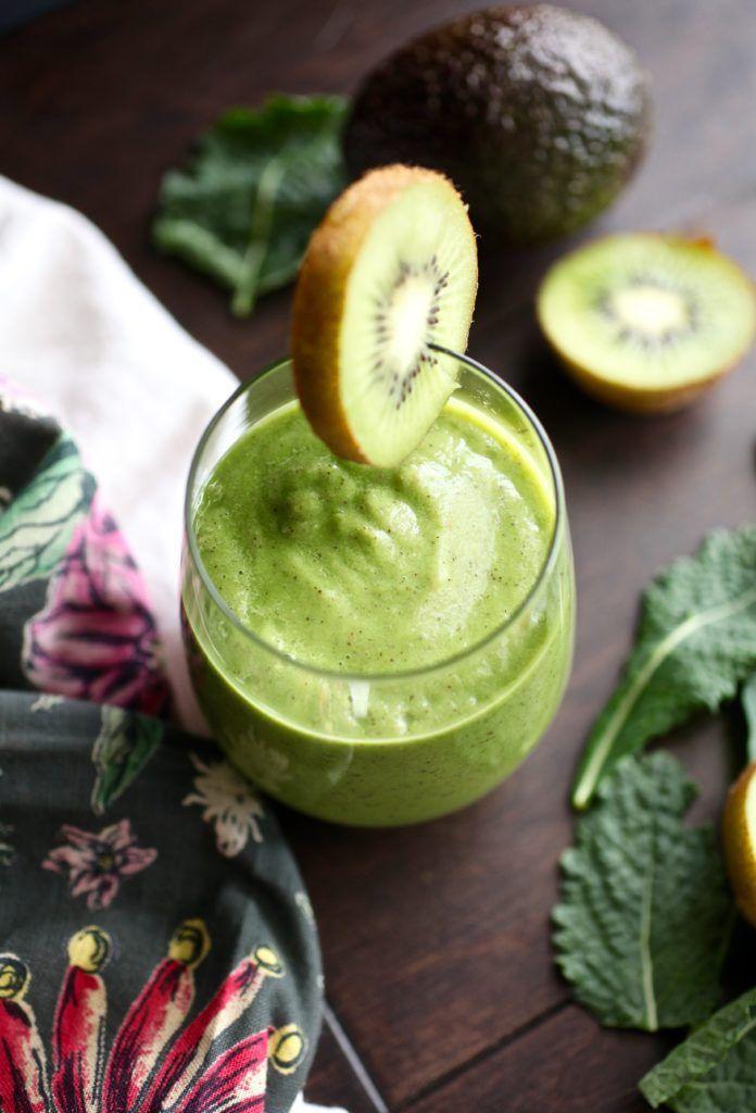Kale & Kiwi Supercharged Smoothie // NITK Wellness Program January Promo