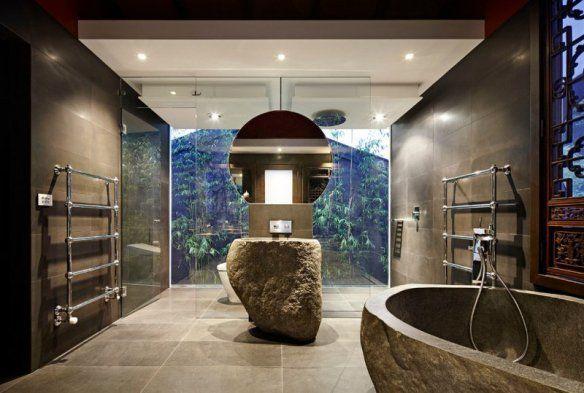 Deco-zen-bathroom-tub-glazed-stone-walls