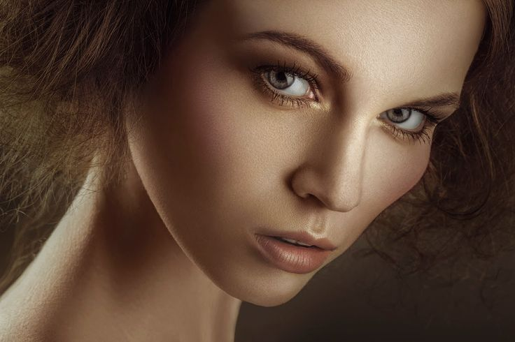 HIGH END RETOUCHING WALKTHROUGH COLOR TONING AND DEPTH