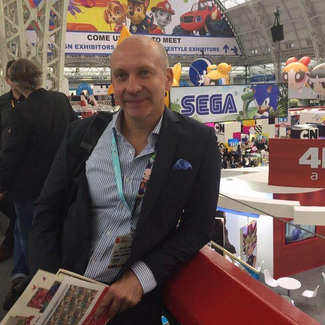 Украинские книги на Франкфуртской выставке. Украинский стенд представили несколько книг разных издательств. В мероприятии принимали участие украинские иллюстраторы и лучшие книжные дизайнеры. Помимо книжной выставки, организаторы провели несколько презентаций и литературных мероприятий. А издательство «Ранок» с 2016 года является полноправным членом Ассоциации европейских издателей, работающих в образовательной сфере.