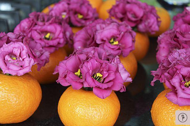 Decoração com frutas e flores:
