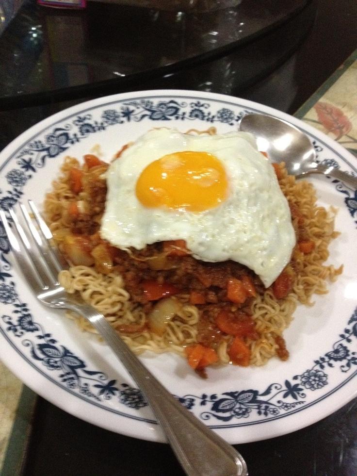 """Mama spaghetti"" combination spaghetti source with pork and noodle."