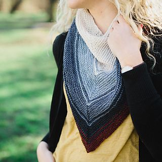 The Reverb Shawl is a super-simple top-down shawl or kerchief knit entirely in garter stitch using our new fingering-weight mini-skeins. This heart-shaped shawl is designed to maximize each colour, as one blends into the other with gradually thinner stripes. Arrange the colours as you like them!