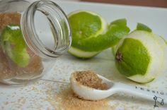 DIY: Körperpeeling aus braunem Zucker, Kokosöl und Limette