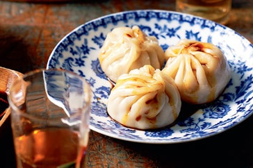 Find inspiration in the flavours of Chinese cuisine with this spectacular version of Shanghai dumplings.