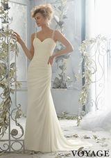Bridal Dress: 6787