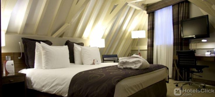 L'Hotel Crowne Plaza #Amsterdam City Centre si trova a 5 minuti a piedi dalla stazione centrale dove arrivano e partono i treni diretti da/per l'aeroporto di #Schiphol. https://www.hotelsclick.com/alberghi/olanda/amsterdam/12485/hotel-crowne-plaza-amsterdam-city-centre.html